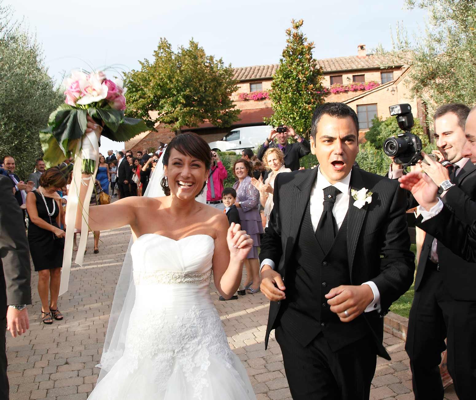 Matrimonio In Un Borgo Toscana : Borgo tre rose musica per nozze toscana animazione